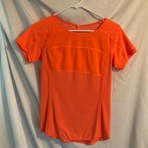 Lululemon short sleeve shirt size: 2
